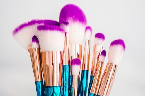 blue and brown makeup brush set